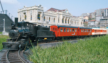 The Miniatürk Mini Train