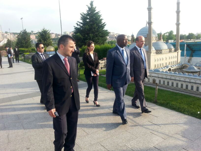 Ngafuan, the Minister of Foreign Affairs of Liberia visits the Miniatürk Galeri - 2. Resim