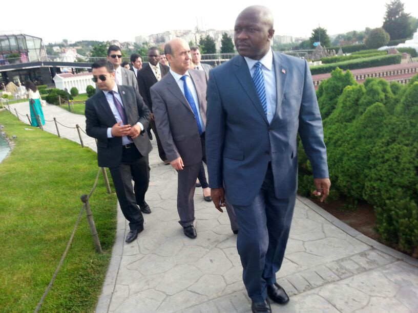 Ngafuan, the Minister of Foreign Affairs of Liberia visits the Miniatürk Galeri - 4. Resim