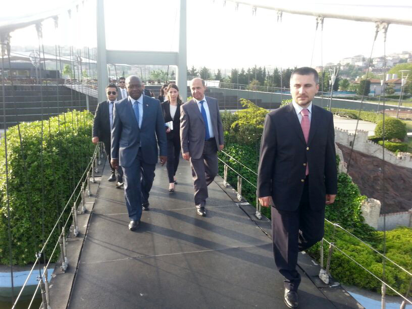 Ngafuan, the Minister of Foreign Affairs of Liberia visits the Miniatürk Galeri - 5. Resim